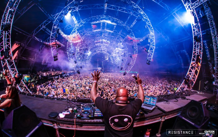 Carl Cox Voices His Opinion on the Illegal Rave Scene